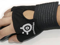 SteelSeries Gaming Glove